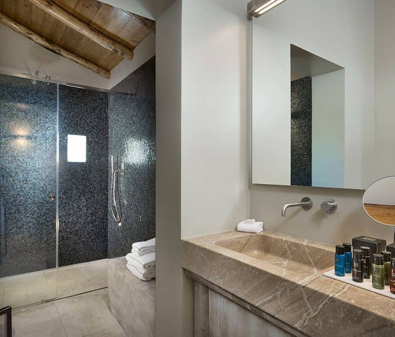 Bagno Camera Luxury Suites 4