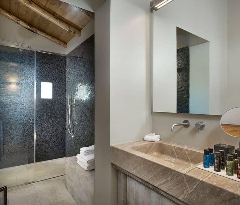 Bagno Camera Luxury Suites 4